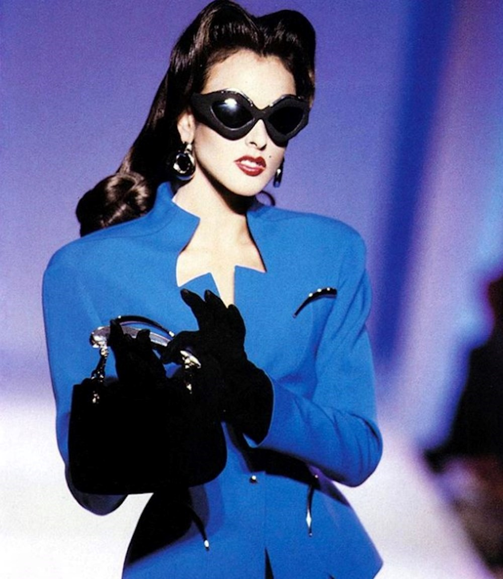 The Thierry Mugler Fan Account That S Followed By The Designer Himself Another