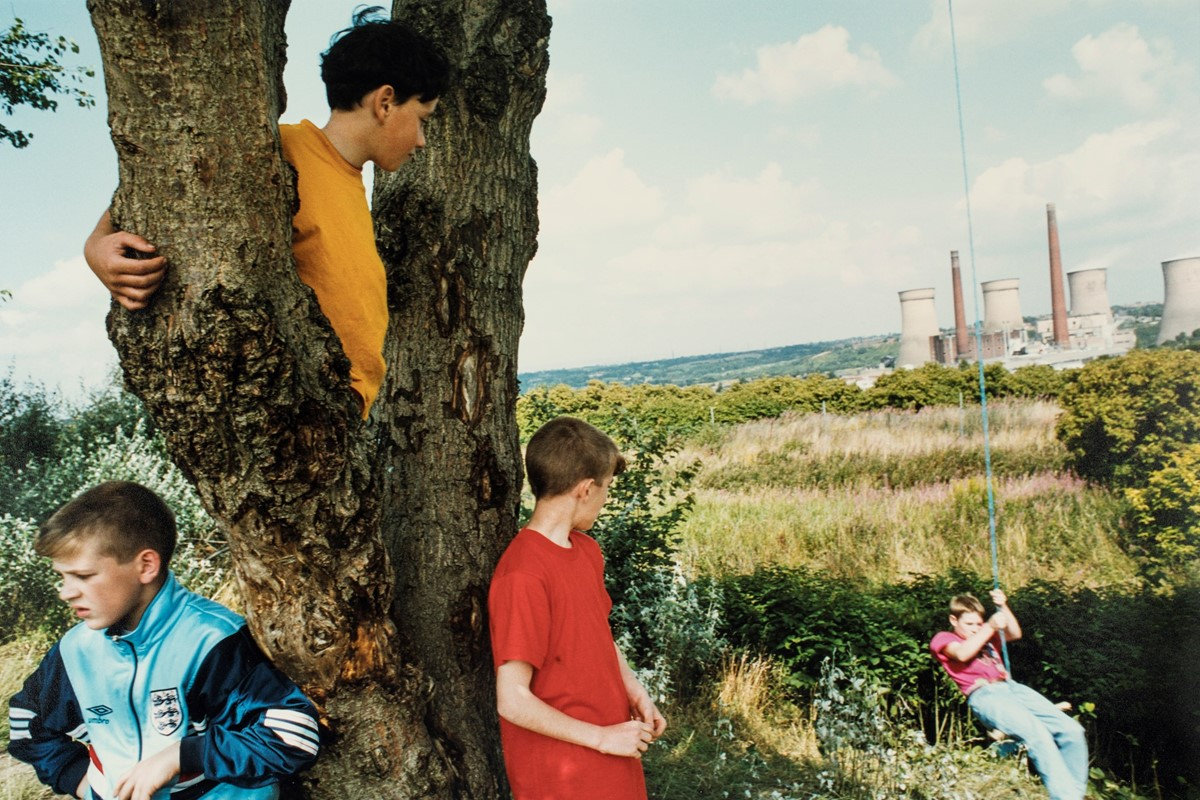 A Portrait of 1990s England, Captured by an 'Outsider'