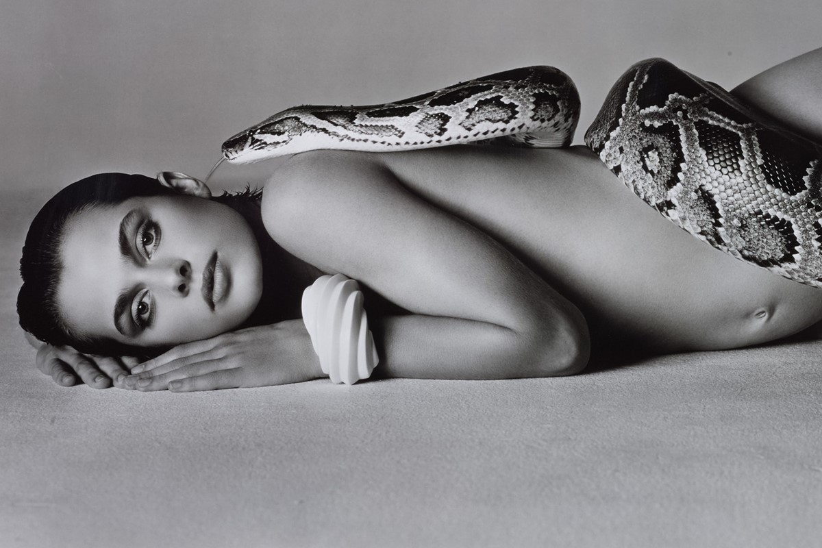 Naked women pregnant with snake picture