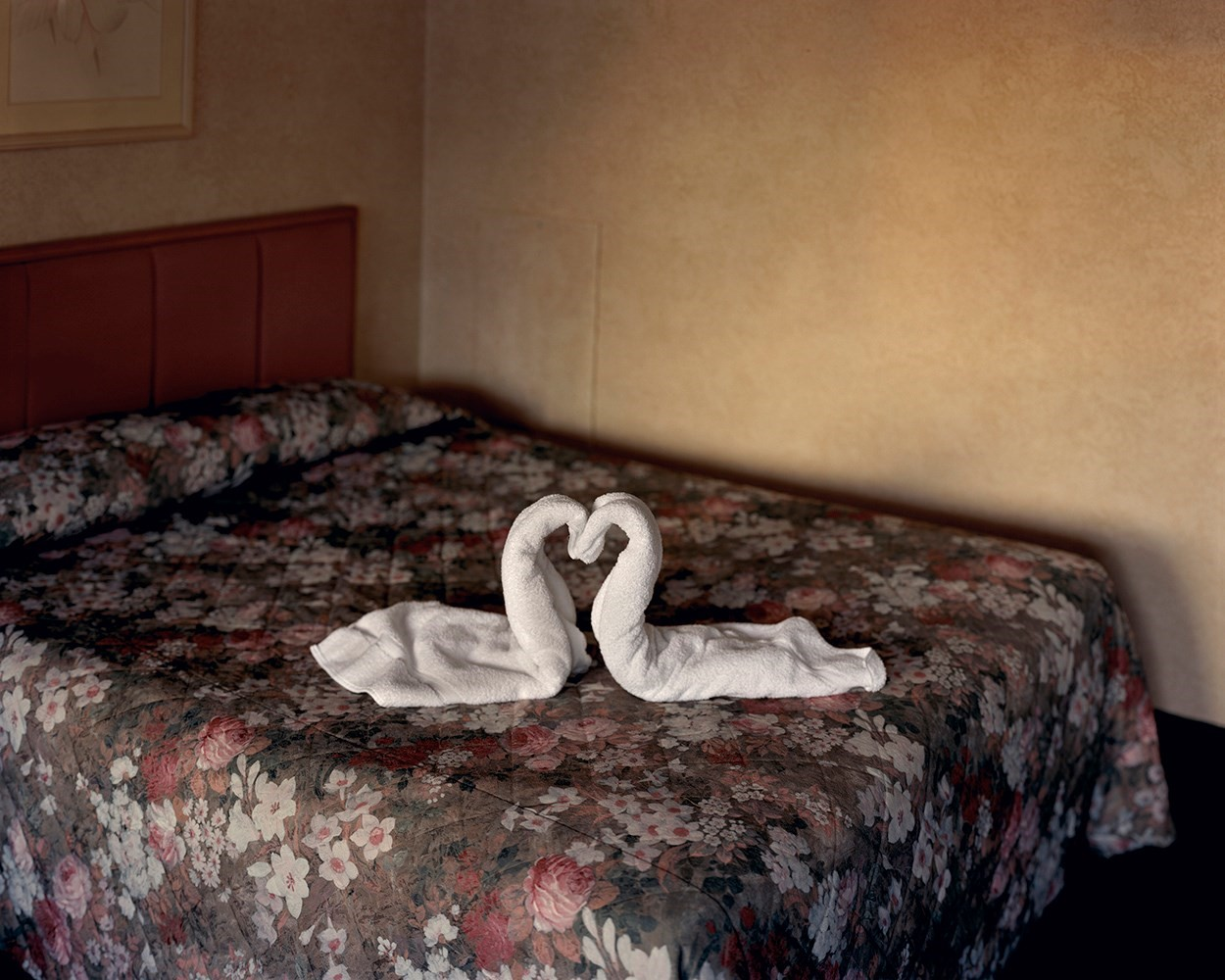 Two Towels, 2004, from Niagara © Alec Soth
