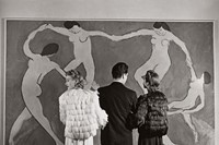 Looking-at-Matisse_-Museum-of-Modern-Art_-1939.-Ph