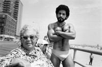 3_Arlene Gottfried_Angel & Woman, on Boardwalk Bri