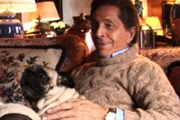 Valentino and pug in Valentino: The Last Emperor, 2008