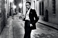 4_Helmut Newton, French Vogue, Rue Aubriot, Paris