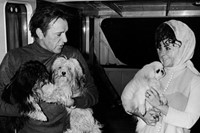 Married actors Richard Burton and Elizabeth Taylor hold the