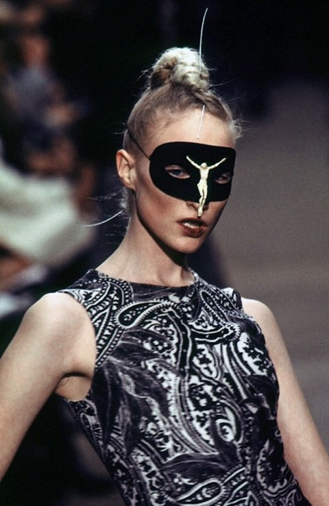 The Era-Defining Alexander McQueen Show That Took Fashion to ...