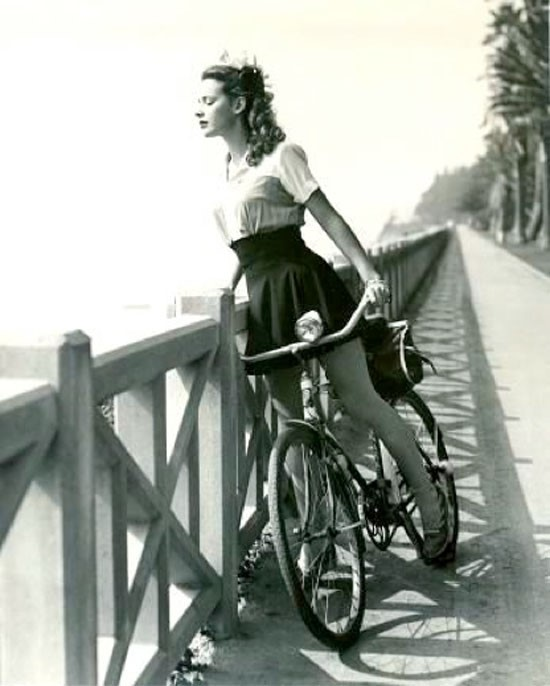 Susan Peters, 1943