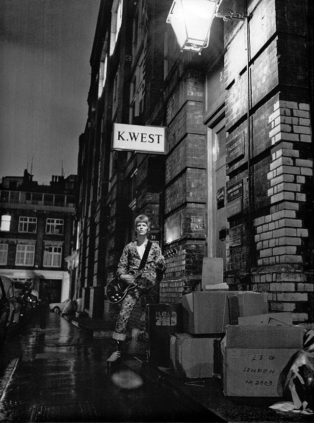 David Bowie's Ziggy Stardust photoshoot, by Brian Ward, 1972