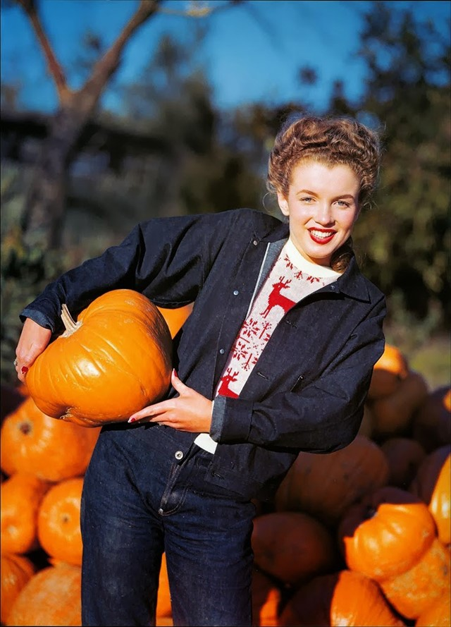 Marilyn Monroe hanging out in a pumpkin patch, 1945