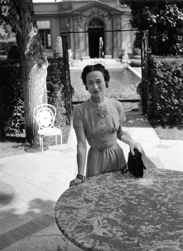 The Duchess of Windsor in the garden of Lady Mendl's house,