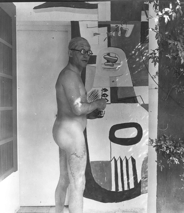 Corbusier-painting-naked