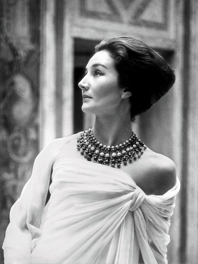 01.Jacqueline-de-Ribes-by-Roloff-Beny,-1959