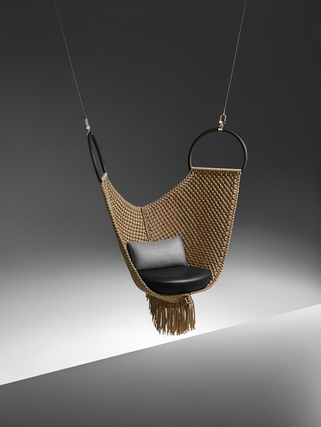 lifestyle_swing chair_Patricia Urquiola