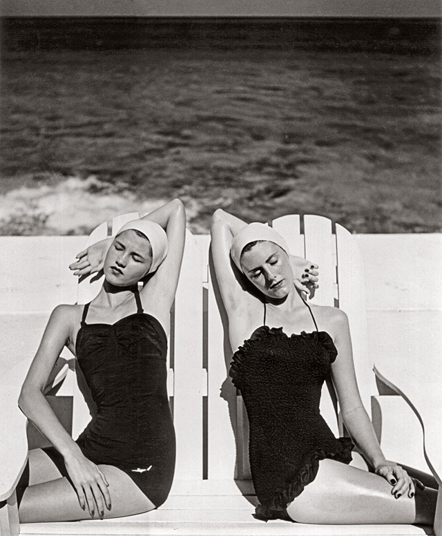 Twins-at-the-Beach_-Nassau_-1949.-Photograph-by-Lo