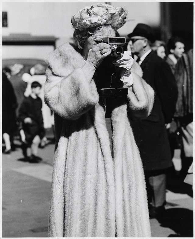 Hujar_11_Women-in-fur-coat-with-camera,-easter,-st