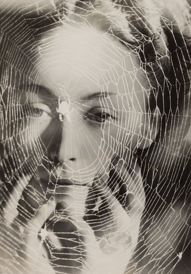 Dora-Maar-The-years-lie-in-wait-for-you-c.1935-