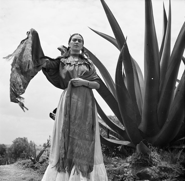 Frida Kahlo with Rebozo, Toni Frissell, 1937