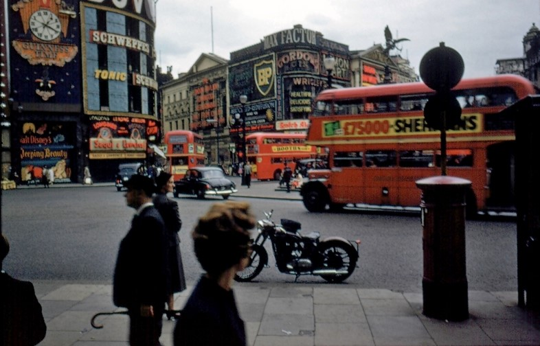 Piccadilly Circus, 1950s