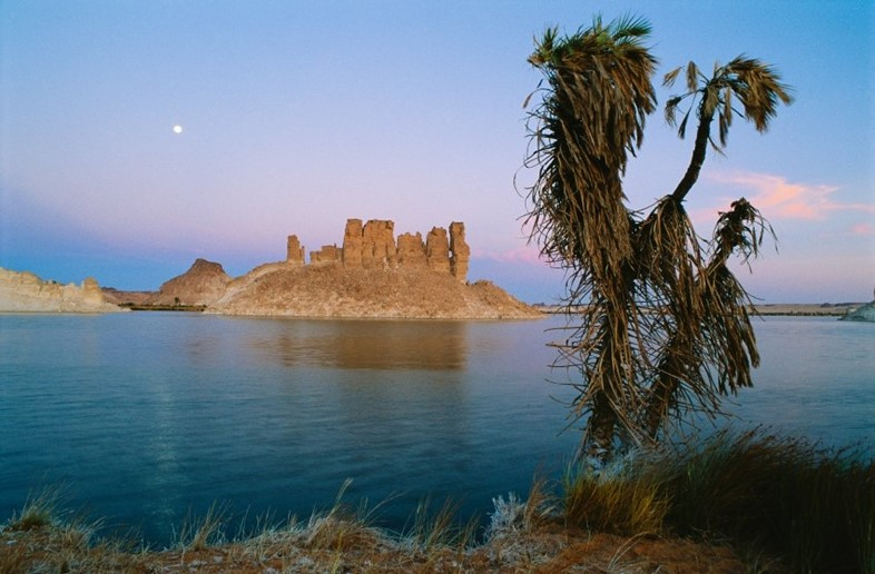 Ounianga Serir, the third largest lake in northern Chad