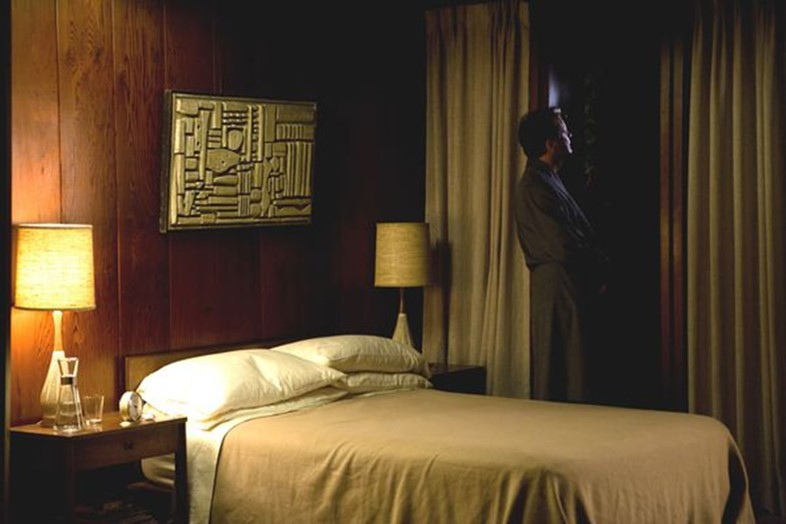 A-Single-Man-Colin-Firth-in-bedroom