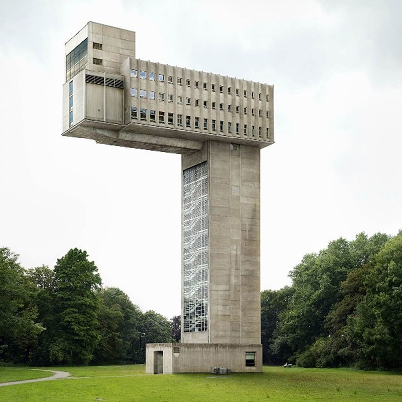 Untitled, Fictions 2009 Photography by Filip Dujardin
