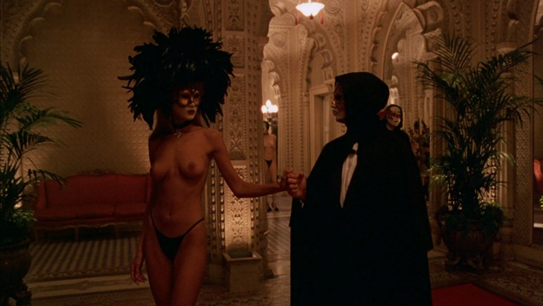 Eyes-Wide-Shut-355