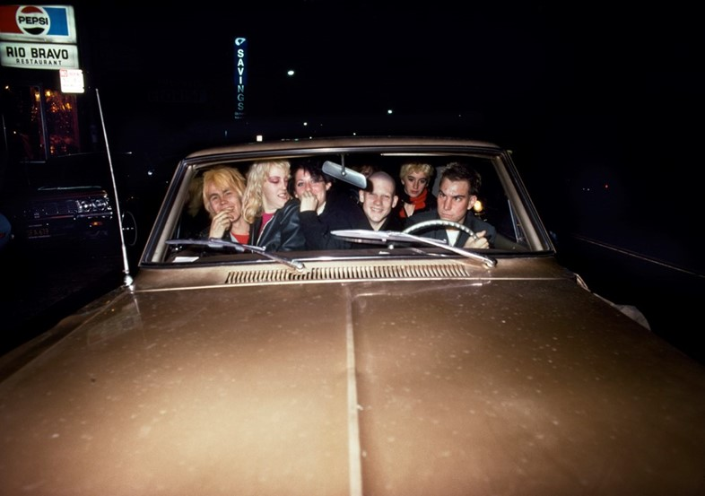 006_Friends_in_a_gold_car_1978