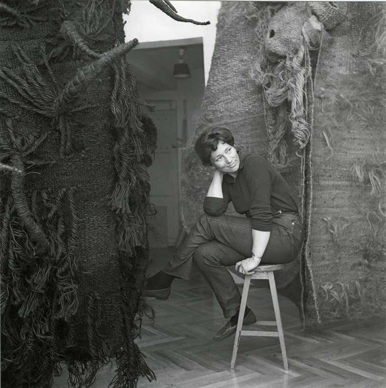 Magdalena Abakanowicz in her worshop, aprox. 1968