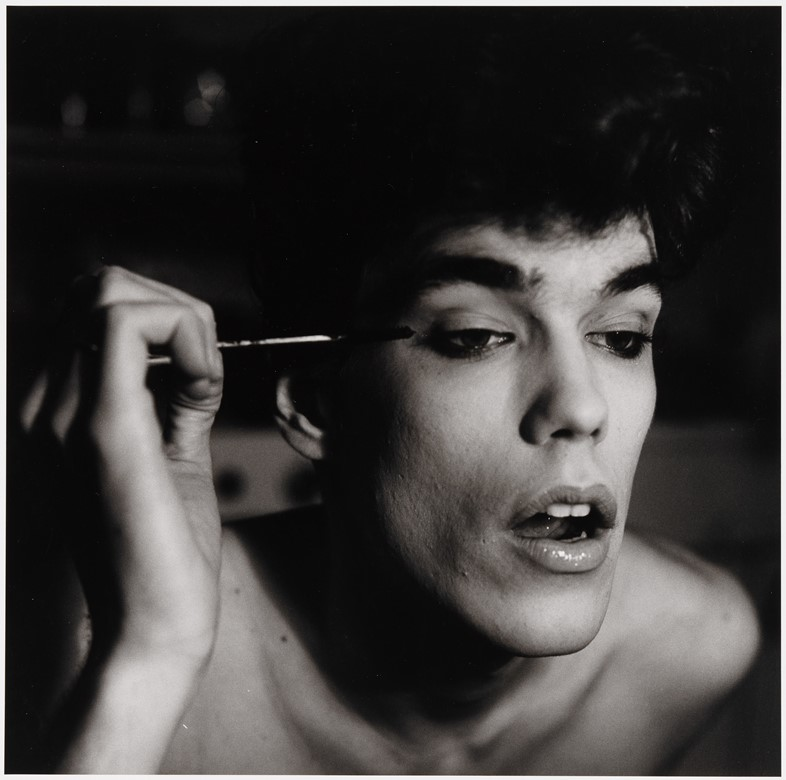 2.-Peter-Hujar,-David-Brintzenhofe-Applying-Makeup