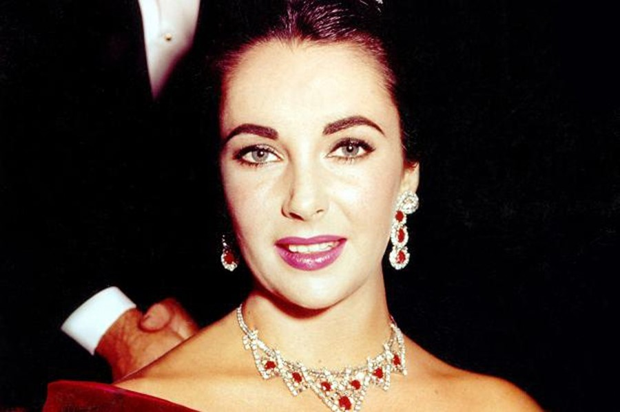 Elizabeth Taylor in the Ruby Suite
