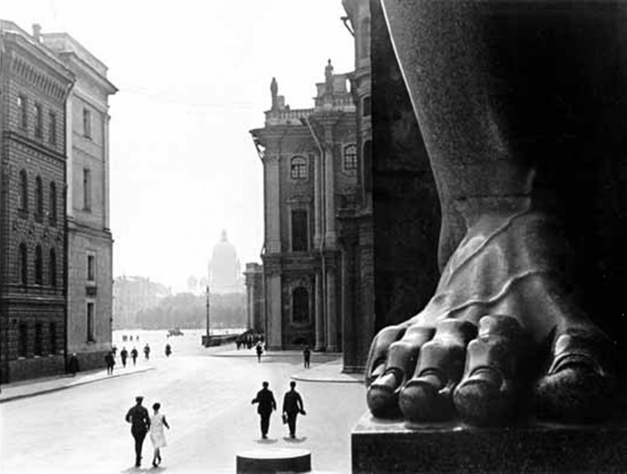 50-Ignatovich--At-the-Hermitage,-Leningrad-CROP-1