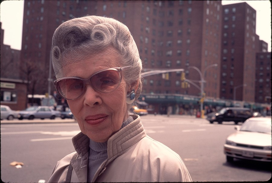 2_Woman_Peter Cooper Village_New York 90s_copyrigh