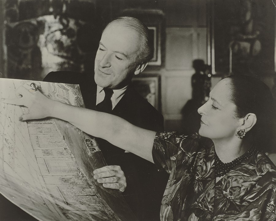 resizedMit-Cecil-Beaton-(c)-Archiv_Archives-Helena