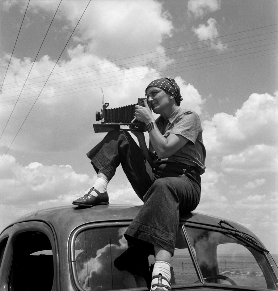 6. Dorothea Lange in Texas on the Plains, ca. 1935