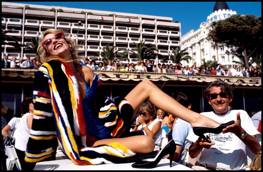 177 2805 Jerry Hall & Helmut Newton French Vogue 3